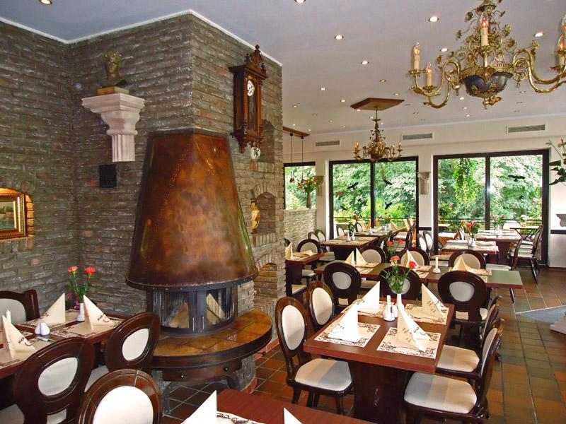 2dc53f088fa Griechisches Spezialitäten Restaurant Hermes Düsseldorf